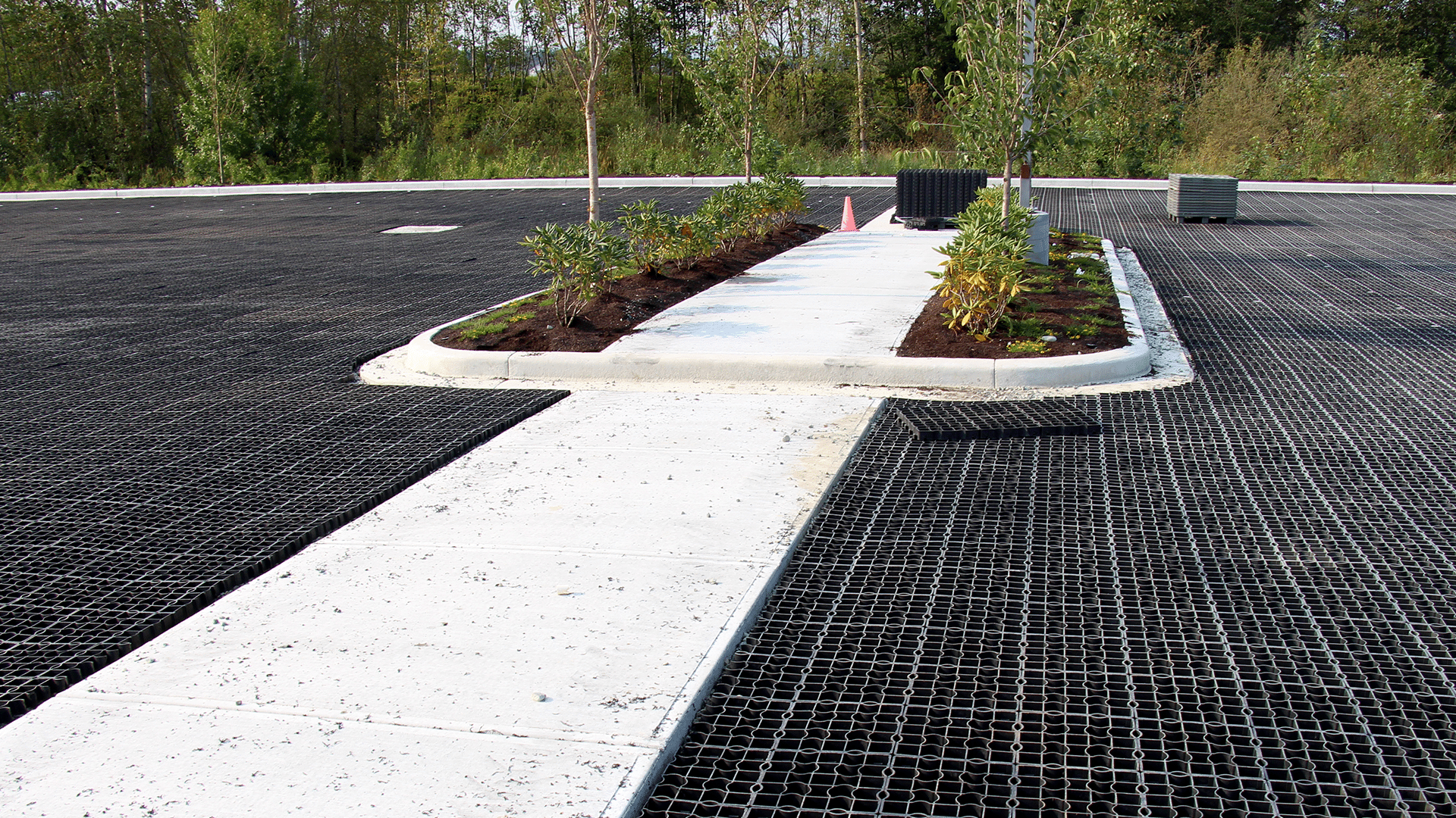Geogrid applications photos and video eqo pro for Landscape contractors